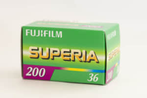 富士フィルムホールディングス(4901)の業績推移と株価見通し!本業堅調で割安感があり今後に期待。