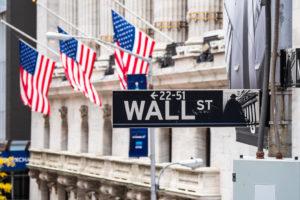バンガード社の人気ETF『VOO』と『VTI』はどちらが良い?楽天証券を使ったお得な購入方法と共に解説する。