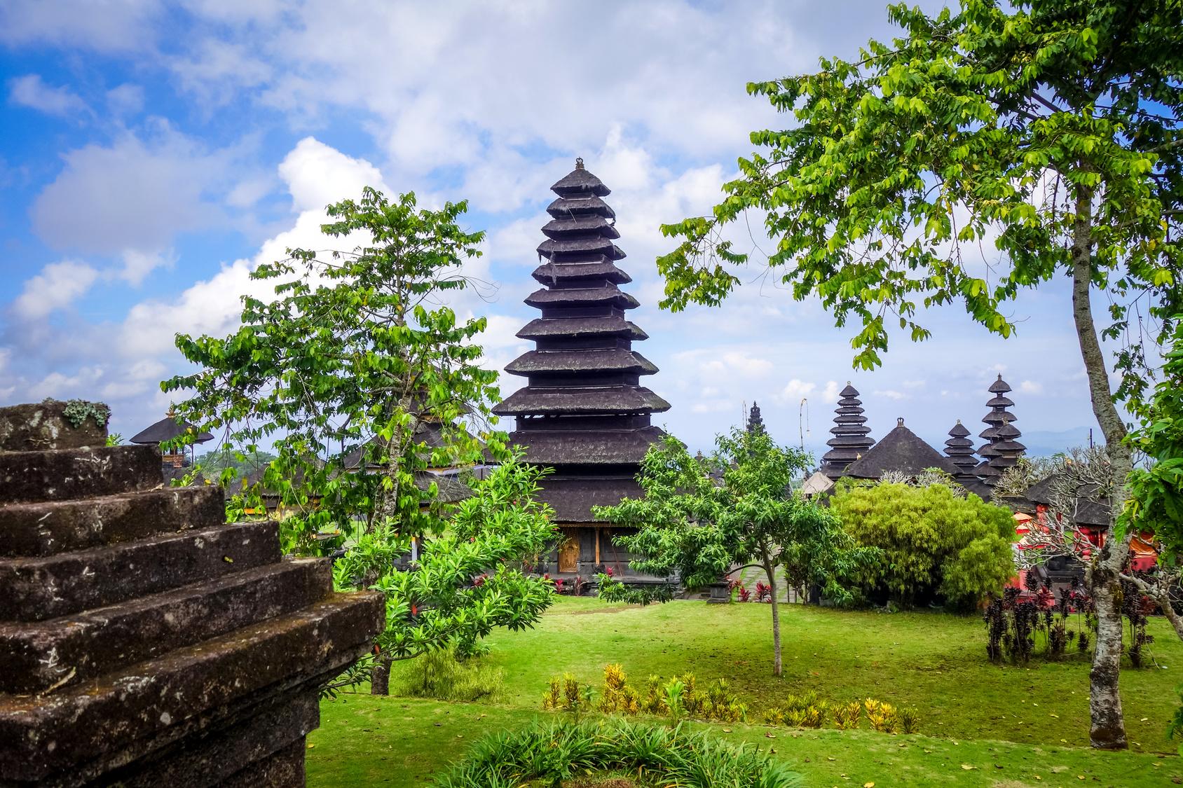 【インドネシア株式投資】尼国の株価指数とおすすめ銘柄を紹介!ネット証券を使い投資を実行しよう。