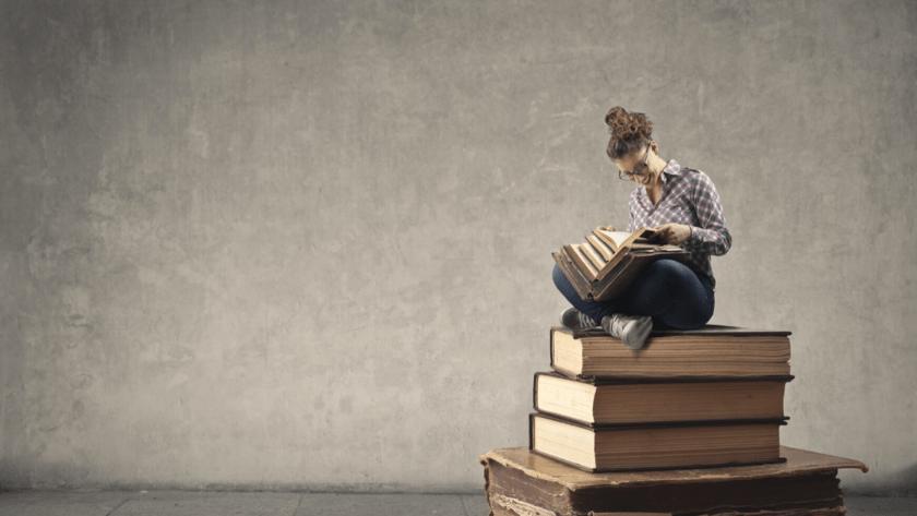 まずは一番手軽な本、漫画、アプリで株を学ぶ